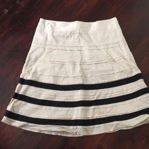 A line ruffle skirt from Ann Taylor loft. Sz 2